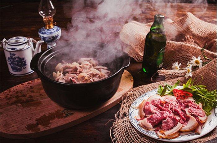 Bò tơ xông hơi: Tinh hoa ẩm thực tuyệt vời của Bò Tơ Quán Mộc